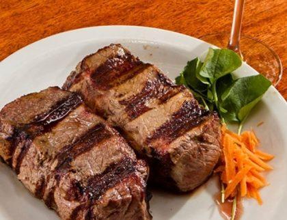 Para 2 pessoas: Entrada + Prato principal + Salada + Sobremesa por R$ 99,90!