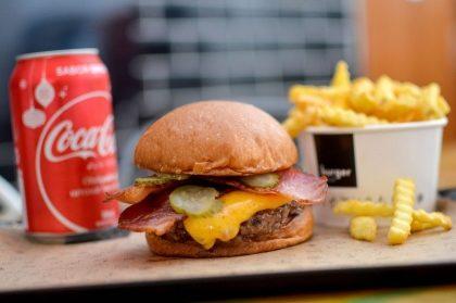 Hambúrguer + Batata + Bebida por R$30,00!