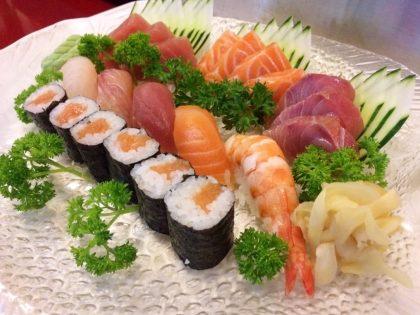 [Jantar] Combinado Sushi + Sashimi por R$52,50!