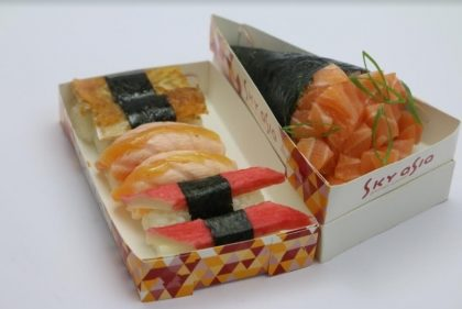 1 Temaki + 6 Sushi OU Hot Roll por R$15,90!