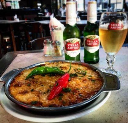 Porção Lisboeta + 2 Cervejas Stella Artois Long Neck por R$ 39,00 [18+ anos]