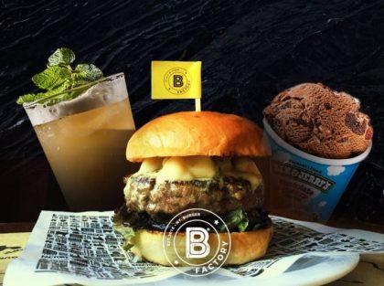 Burger + Chá Gelado ou Pink Lemonade + Sorvete Ben & Jerry's 458ml por R$ 35