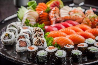 Combinado com 30 Peças de Sushi e Rolls por R$ 21,90