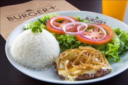 Hambúrguer 180g com Queijo Estepe + 2 acompanhamentos + Bebida por R$21,50