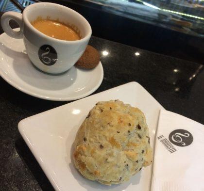 Espresso Arábico + Pão de Queijo Integral por apenas R$10,00