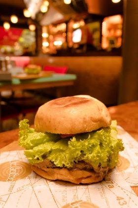 Hambúrguer Piracicabano com Batata Rústica por R$ 23,10