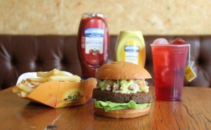 Combo R$30: VG Burger + Batata McCain + Chá Gelado Lipton