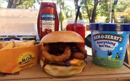 Combo R$40: Hambúrger + Drink de Chá Lipton + Batata McCain + Sorvete Ben & Jerry's