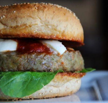 Combo R$30: Burger Vegetariano + Drink de Chá Lipton + Batata Crinkle McCain