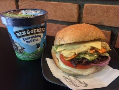 Combo R$40: Burger Vegetariano + Chá Gelado Lipton + Batata McCain + Sorvete Ben & Jerry's