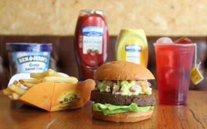 Combo R$40: VG Burger + Drink de Chá Lipton + Batata McCain + Sorvete Ben & Jerry's