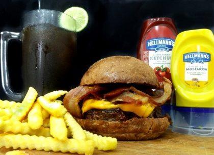 Combo R$30: Burger Pão Australiano + Chá Lipton+ Batata McCain
