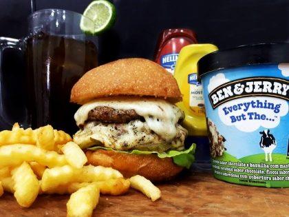 Combo R$40: Burger Pão de Batata + Chá Lipton + Batata McCain + Sorvete Ben & Jerry's