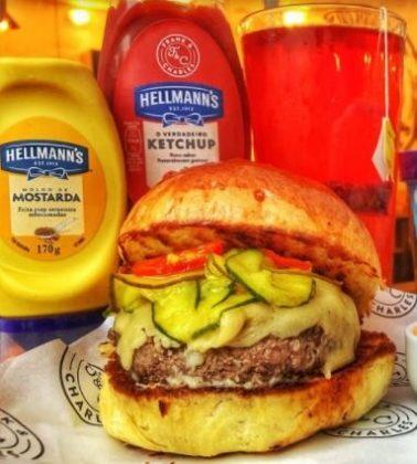 Combo R$30: Burger Bit Bitter ou Camden + Drink de Chá Lipton + Batata McCain