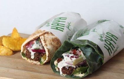 Sábado: Os 15 primeiros que comprarem dois combos Falafel ganham um açai pequeno completo