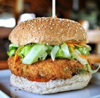 (São José) Combo R$30: Burger Vegetarianíssimo com Bonduelle + Drink de Chá Lipton + Batata McCain