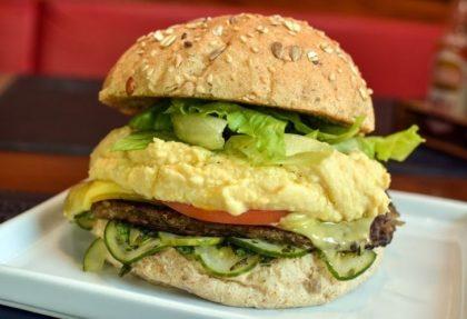 (Consolação) Combo R$30: Veganíssimo com Bonduelle + Drink de Chá Lipton + Batata McCain
