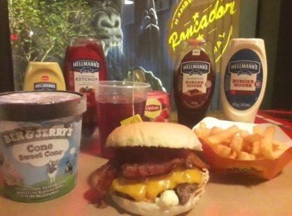 Combo R$40: Burger Rock 1 + Chá Gelado Lipton + Batata McCain + Sorvete Ben & Jerry's