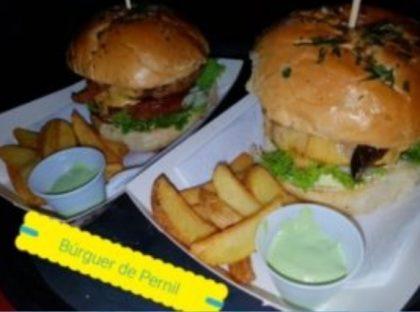 (Cozinha de Família) 15% de desconto no Hambúrguer de Pernil ou na porção de hambúrgueres