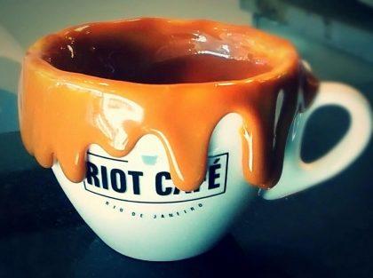 20% OFF em todo o cardápio Riot Café!
