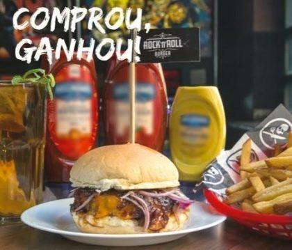 Compre Cheese Burger, Cheese Salada ou Cheese Bacon + Fritas + Pink Lemonade ou Ice Tea Refil e ganhe outro Burger