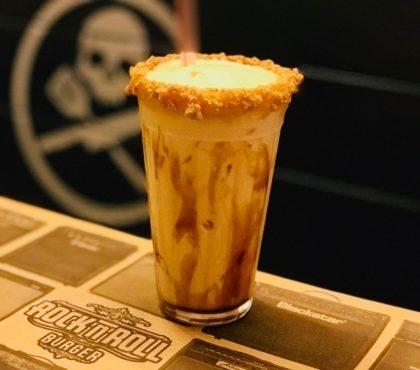 ESPECIAL FESTA JUNINA: Milkshake de Paçoca com dose de Cachaça Boazinha por R$19,90! [+18]