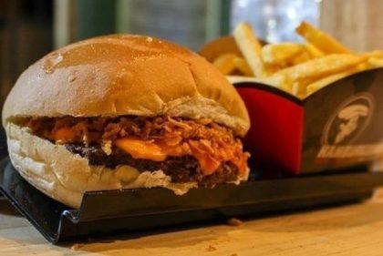 Combo: Crispy Burger + Fritas + Refrigerante por R$24!