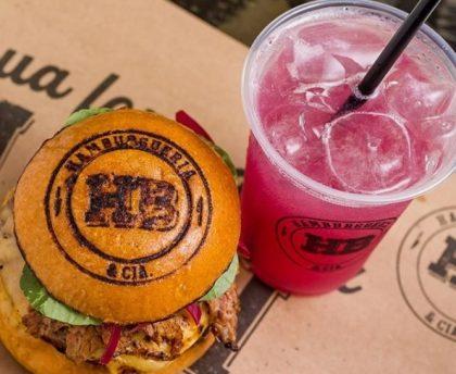 Burger + Fritas Clássicas + Limonada Rosa + Pudim de Leite por apenas R$29!