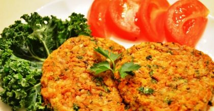 Almoço vegetariano + buffet de salada + suco natural + sobremesa por apenas R$30