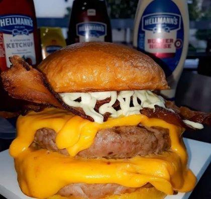 GANHE 1 Cheese Bacon na compra de 1 Combo Duplão (Burger + Batata Palito + Guaraná)