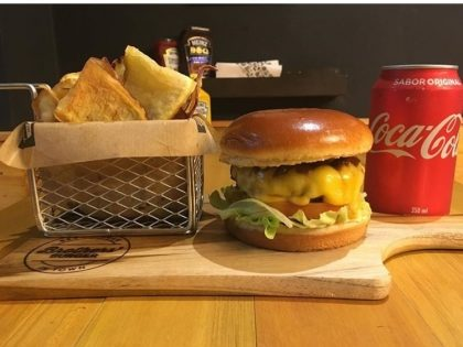 GANHE um Burger Baby Monster na compra do combo Monster Burger (Burger + Chips + Refri (lata))