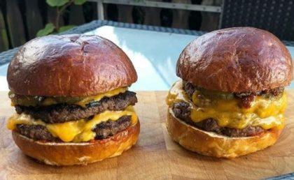 GANHE 1 Combo Duplo Smash Burger + Fritas + Chá Gelado na compra de outro combo igual