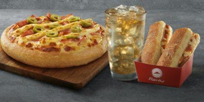 Combo Brasileira: Pizza Super Fatia / Individual + Refrigerante 300ml + Acompanhamento por R$ 19,90