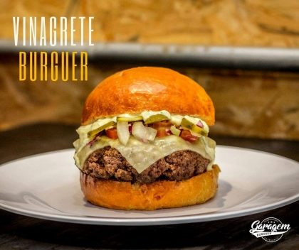 Combo: Vinagrete Burguer + Fritas + Fanta Guaraná por apenas R$ 20,93!