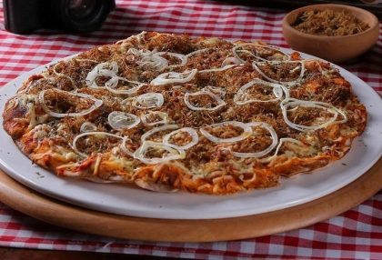 (Top Center) Pizza Brotinho de Carne do Sol e Queijo Coalho por R$ 16,00