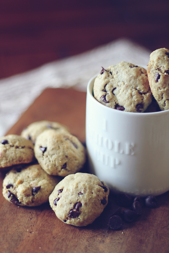 oatmeal-chocolate-chip-cookies-main