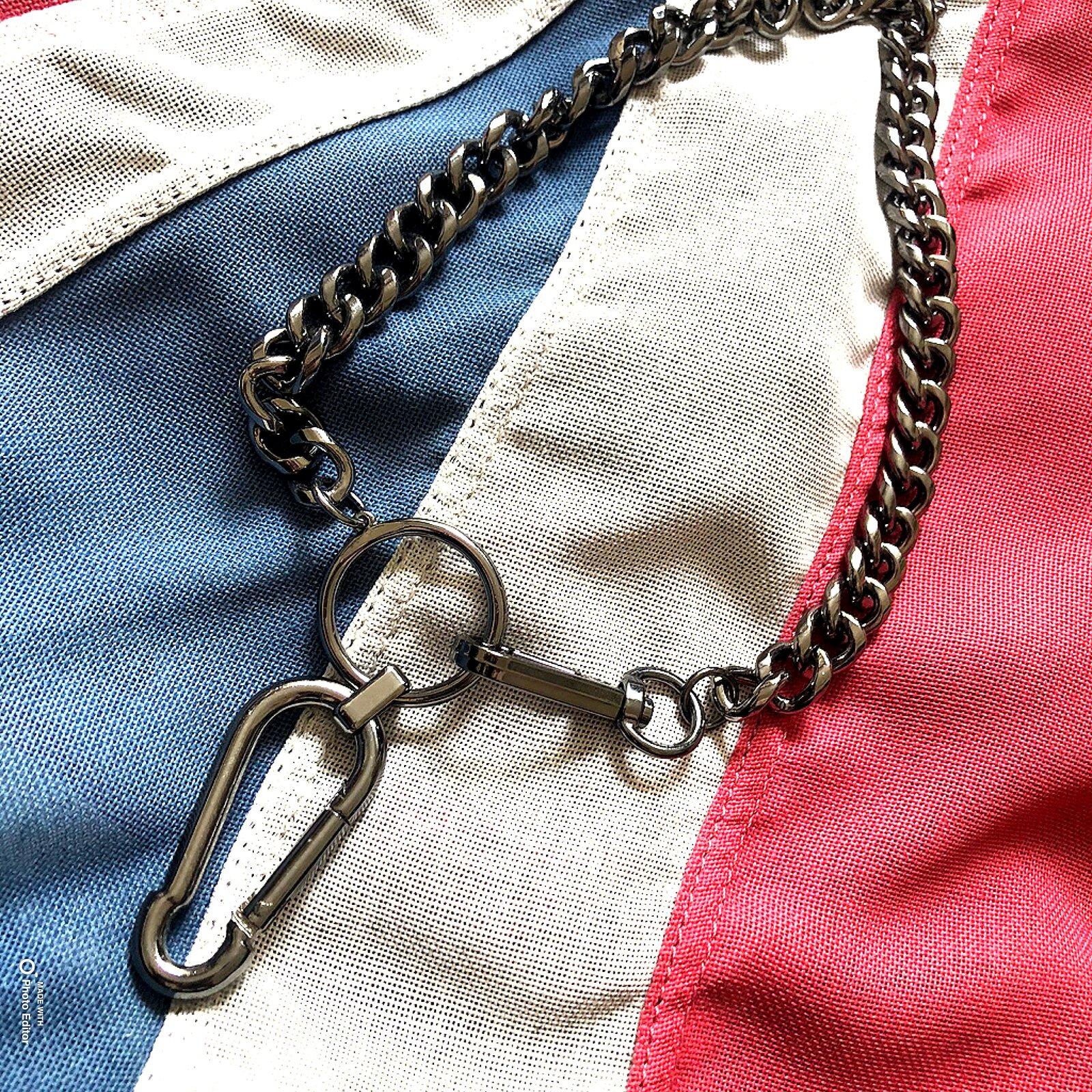 Gun metal oversized clasp necklace