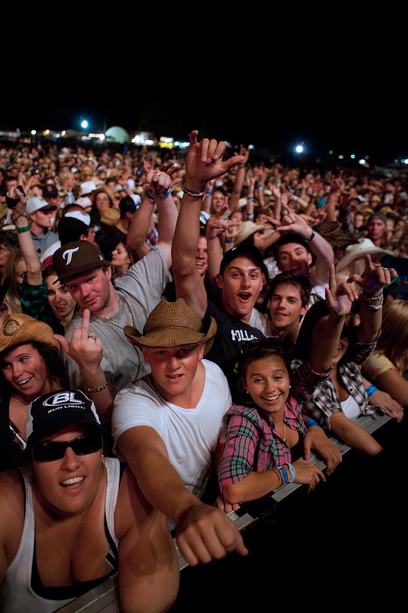 Lady Antebellum fans @ CMT Music Festival 2011