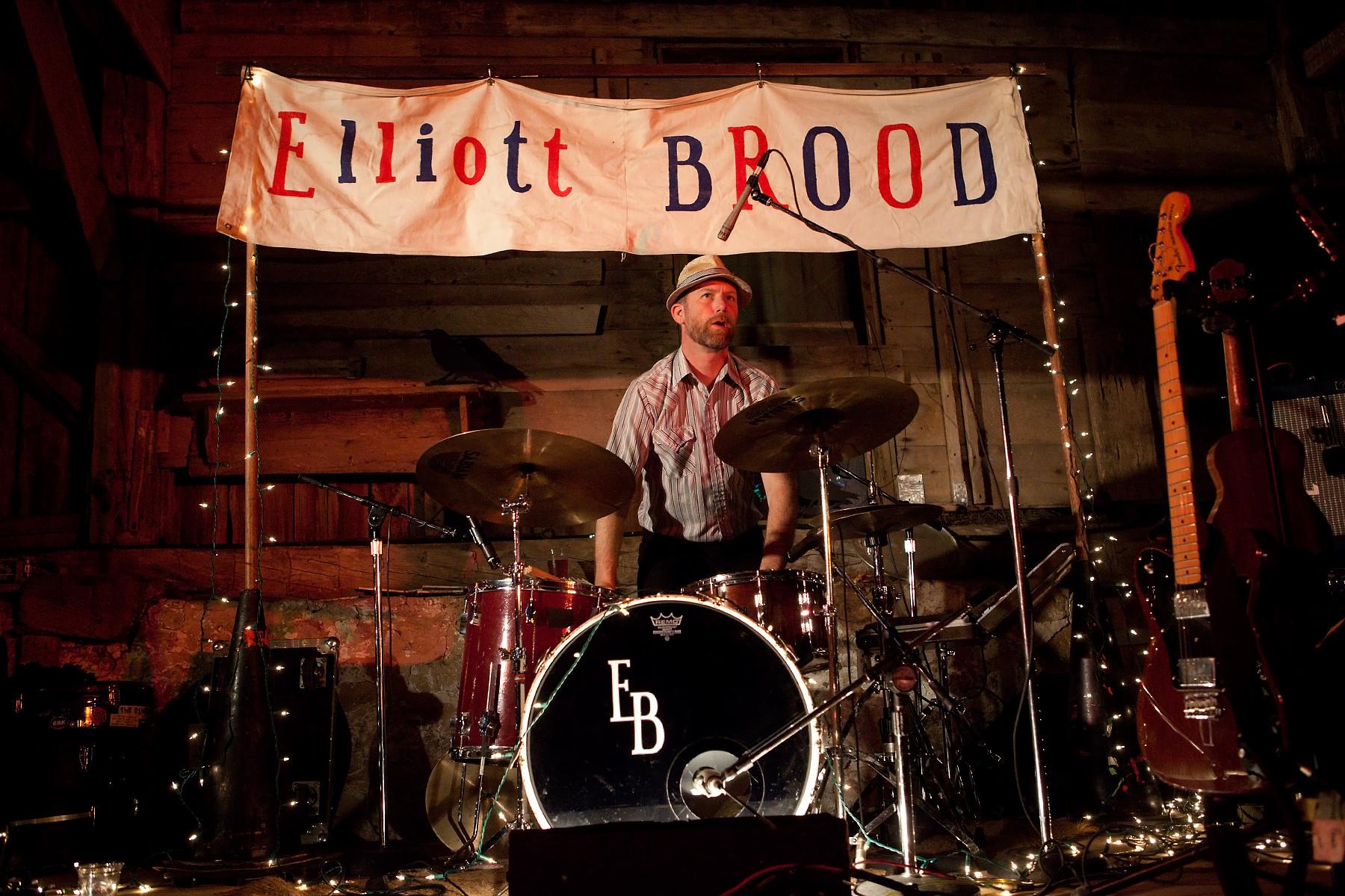 Elliott Brood @ The New Farm