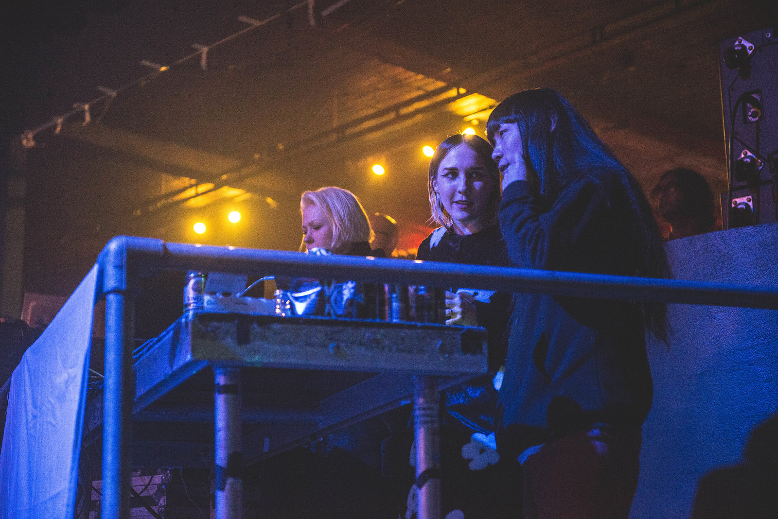 Pins and Bo Ningen DJing at The Coronet, November 2017