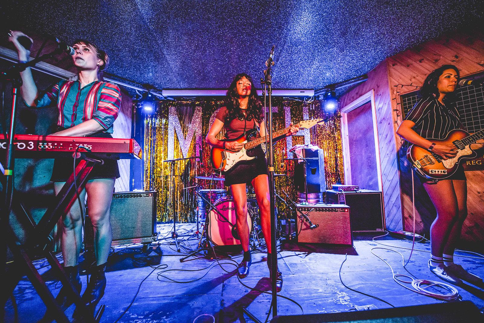 La Luz at Moth Club, September 2016