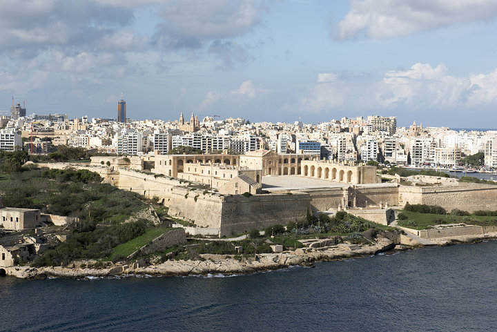 Fort Manoel. Manoel Island