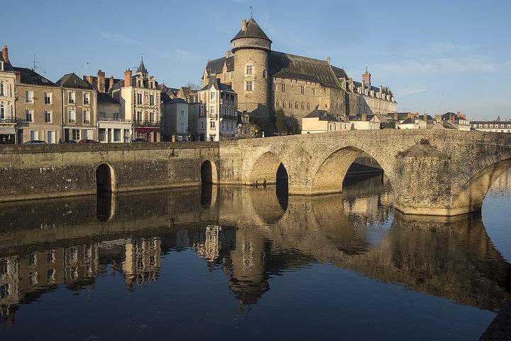 Musee du Vieux - Chateau and Pont Vieux