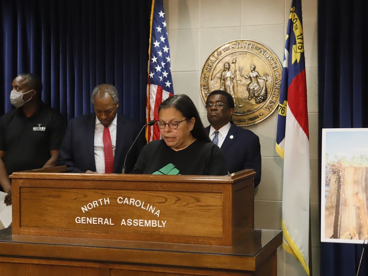 donna chavis where is governor cooper