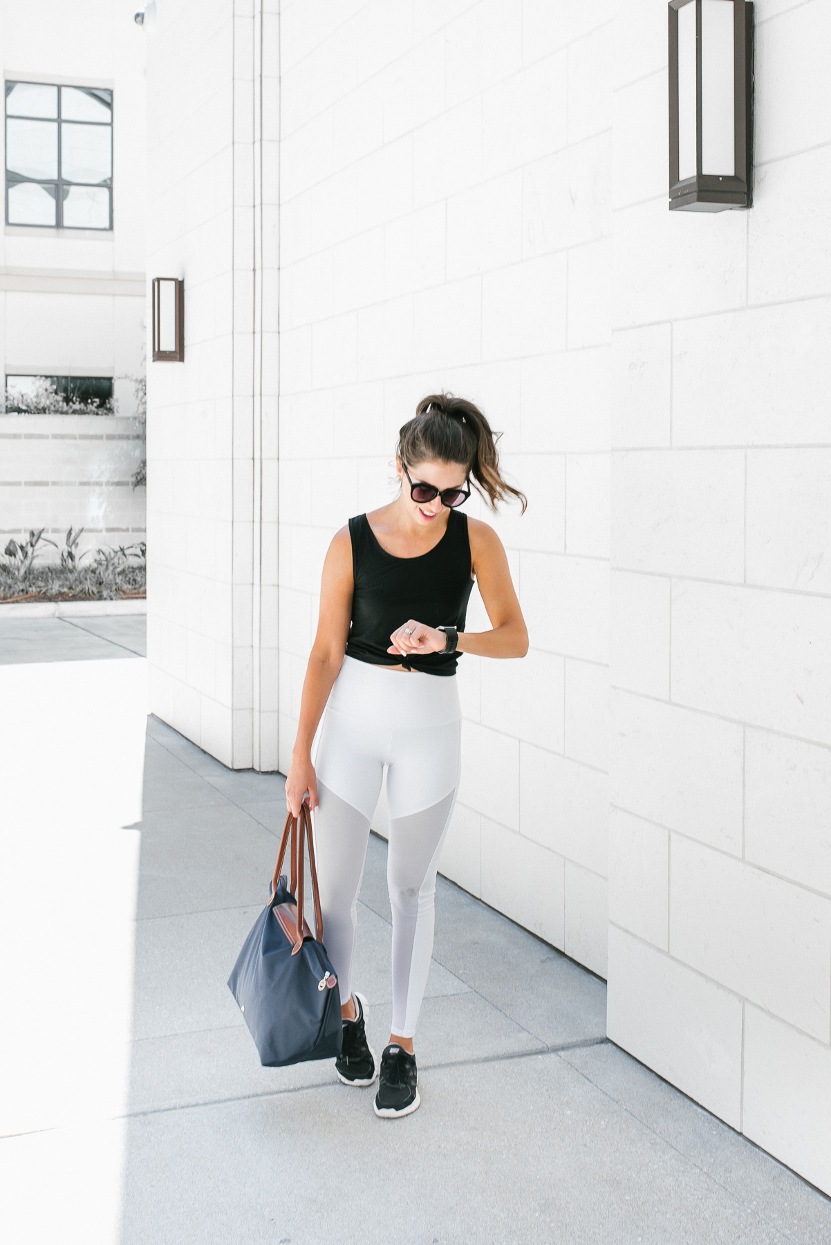 Dress Up Buttercup, Dede Raad,Fashion Blogger, Houston Blogger, Workout clothes, Equinox, White Leggings, Gym attire