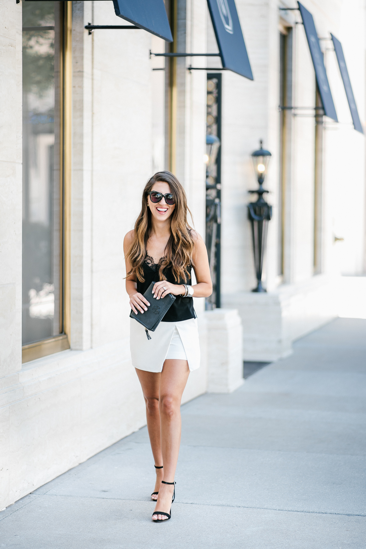 Dress Up Buttercup, Dede Raad, Houston blogger, Fashion blogger, White sort, Black and White outfit, Express outfit, Date night outfit
