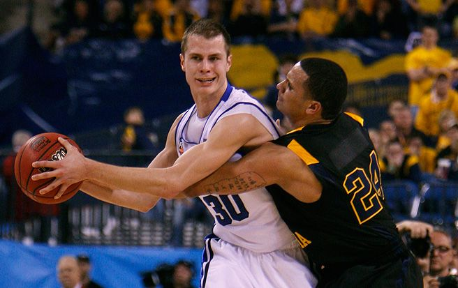 After playing in Israel last year, former Duke basketball guard Jon Scheyer is headed to Spain this season.
