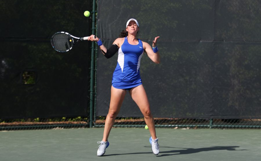Rachel Kahan grabbed early leads in both sets of her singles match but could not hold on against Georgia Sunday.