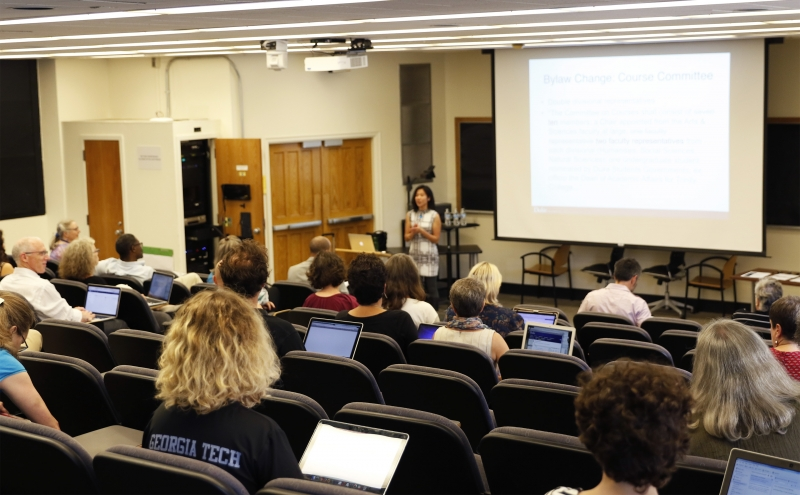 The Arts and Sciences Council continued discussing curriculum review in its first meeting of 2016 Thursday.