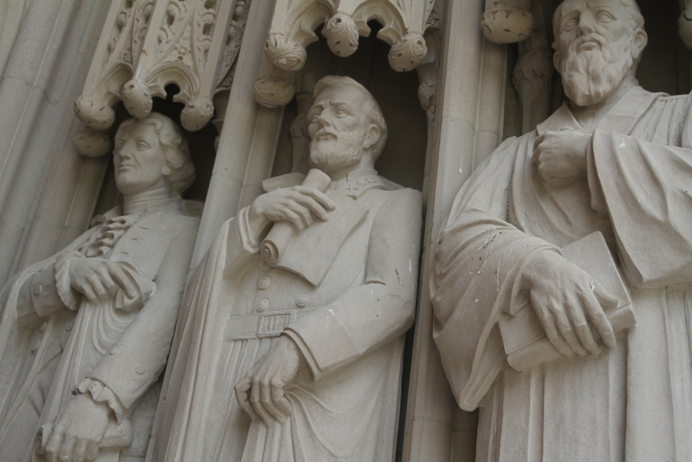 Robert E. Lee statue at Duke Chapel vandalized